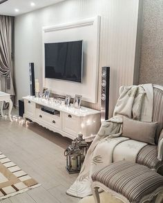 Have a nice day✌️Mutlu günlerr  #lovelyinteriors #interiorandhome #dekorasyononerisi #interiørmagasinet #interior2you #decorations #evdekorasyonu #nordiskehjem #ruyaevlerr #dekorasyonzevkim #inspirehomedeco #ev #finehjem #evimdergisi #interior123 #interiorstyled #eleganceroom #roomforinspo #clasyinterior #livingroom #love_shabbychic #decorwow101 #decoration #turkdekorasyon #livingroom #like4like #the_real_houses_of_ig #hellinterior1 #evimevimgüzelevim #evinizdenkareler