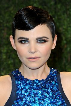 image of THE OSCARS: Ginnifer Goodwin at Vanity Fair in Finger Waves    to me, this is a very fresh look on a classic, smoky eye, neutral lip. flawless!