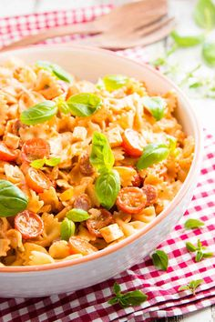 This Pepperoni Pizza Creamy Pasta Salad Recipe is the perfect easy summer side dish to bring to potlucks and BBQs - and will be a big hit with kids and families alike! | savorynothings.com