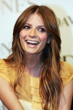 light brown hair colorlike her hair