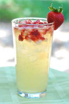 Sparkling strawberry lemonade recipe