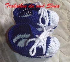 Trabalhos da vovó Sônia: Sapatinho de bebê all star azul e branco - croché