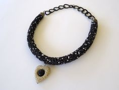 Statement necklace in black and white.Short by PopisBOUTIQUE