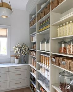 Pantry inspiration for my new kitchen. An organised pantry like this one by  I'm setting myself a challenge to keep it as organised and beautiful as this one. Table Design, Küchen Design, Layout Design, Interior Design, Interior Ideas, Interior Inspiration, Kitchen Pantry Design, New Kitchen, Kitchen Decor