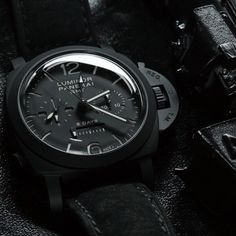 "#Panerai #PAM317 ""Black Knight"" GMT Monopulsante Chrono."