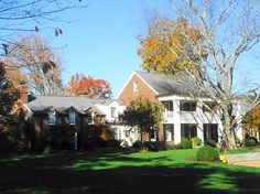 http://www.TravelPod.com - Amy Grant and Vince Gill's Home by TravelPod member Socks, from Nashville, United States