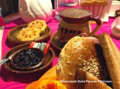 Chocolate de Metate batido con molinillo, buñuelos de viento y más te esperan en Restaurante Doña Paca para disfrutar de nuestra deliciosa cocina michoacana