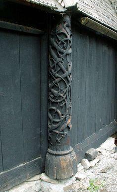 Anglo-Saxon and Viking designs in LOTRO | TheKhazadGuard's Blog Viking House, Viking Life, Viking Art, Viking Woman, Vikings, Norwegian Style, Viking Culture, Café Bar, Anglo Saxon