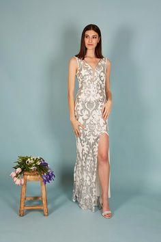 VESTIDO EMPERATRIZ | Teria Yabar Primavera Verano 2020 Formal Dresses, Silver, Fashion, Dress, Emperor, Spring Summer, Feminine, Dresses For Formal, Moda