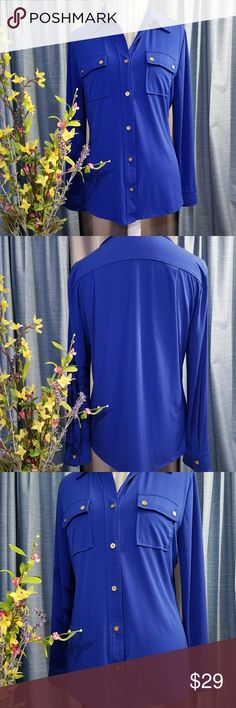 🌻🌺🌻ELLEN TRACY BEAUTIFUL BUTTON DOWN BLOUSE!! SIZE:medium   BRAND:Ellen Tracy   CONDITION:NWOT, no flaws    COLOR:Blue with gold buttons   🌟POSH AMBASSADOR, BUY WITH CONFIDENCE!   🌟CHECK OUT MY OTHER ITEMS TO BUNDLE AND SAVE ON SHIPPING!   🌟OFFERS WELCOME!   🌟FAST SHIPPING! Ellen Tracy Tops