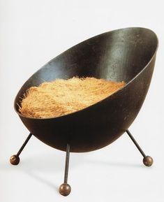 Jean Royere Chaise unique | chaise contemporaine | design chair | design | unique style | different | minimaliste | upcycling