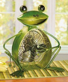 Let this charming Frog Shaped Decorative Figurine Fan brighten your day while it keeps you cool. With its decorative appeal, a Figurine Fan can easily become a permanent part of any desk, vanity, bedr Frog Meme, Frog Drawing, Frog Illustration, Frog Tattoos, Metal Figurines, Frog Crafts, Fan Decoration, Metal Fan, Frog Design
