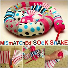 Don't throw out those odd socks! Turn them into this super cute Sock Snake. This would be great for keeping the wind out around the bottom of doors or in the kids room. Tutorial via 'Grosgrain' How to make a Mismatched Sock Snake Tutorial Homemade Crafts, Diy Crafts To Sell, Fun Crafts, Crafts For Kids, Sock Snake, Rice Sock, Snake Crafts, Sewing Projects, Craft Projects