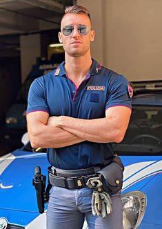 Cop Uniform, Men In Uniform, Tight Jeans Men, Hot Men Bodies, Hot Cops, Muscle, Older Men, Best Jeans, Mens Glasses