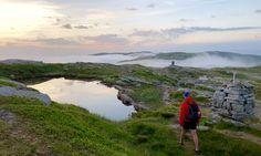 Bergen Vidden: Hvor lang tid tar det å gå Vidden Ulriken - Fløyen? Midnight Sun, Summer Months, Sleep Mask, Bergen, Norway, Sky, Mountains, Travel, Heaven