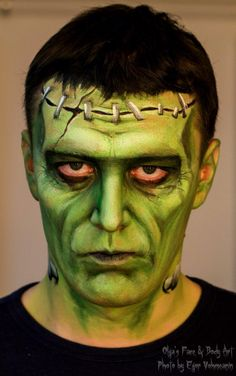 30 Halloween Makeup Ideas for Guys 30 Halloween Make-up Ideen für Jungs Frankenstein Face Paint, Frankenstein Halloween, Maske Halloween, Halloween Cosplay, Halloween Costumes, Facepaint Halloween, Face Painting Designs, Body Painting, Halloween Makeup Looks