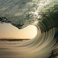The perfect wave pic.twitter.com/g3pla7deEA