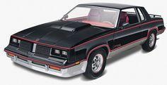 Scalehobbyist.com: '83 Hurst Oldsmobile Cutlass by Revell Monogram