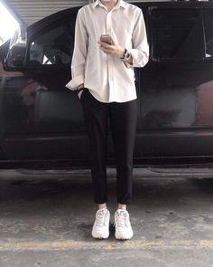 Urban Street Fashion, Urban Street Style, Aesthetic Fashion, Aesthetic Clothes, Look Fashion, Fashion Outfits, Korean Fashion Men, Mens Fashion, Stylish Men