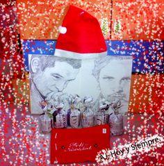 #AJ_ Ya estamos en Navidad y aún no sabes que regalar, pues improvisa con unas manualidades caseras y un Retrato que te haré encantada con las tres B: Bueno, Bonito y Barato :)  Desde #benalmadena, #malaga, @AmparoJurado85 #docente2.0 #aj_informa #arte #pintura #creatividad #inspiracion #art #loveart desde #andalucia #españa #estaes_espania #estaes_andalucia #estaes_malaga #costadelsol #NickWechsler #AntonyStarr #portavelas #FelizNavidad