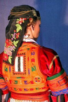 Hello all, Today I will talk about one of the most complicated costumes of Greece, that of the Karagounai. The Karagouni are an . Greek Traditional Dress, Traditional Art, Traditional Outfits, Folk Clothing, Greek Clothing, Greek Costumes, Dance Costumes, Macedonia People, Tribes Of The World