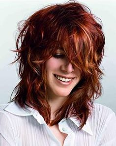 Medium Length Shag Hairstyles 2014 – Shaggy haircuts are currently very popular… Red Hair With Blonde Highlights, Red Blonde Hair, Dark Red Hair, Red Hair Color, Copper Highlights, Color Red, Brown Hair, Burgundy Hair, Reddish Hair