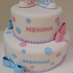Bolo Chá de Revelação-Aluguel Baby Shower Cakes Neutral, Gender Reveal Party Decorations, Bolo Fake, Reveal Parties, Babyshower, Biscuit, Birthday Cake, Cool Ideas, Simple Home Plans