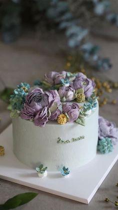 Buttercream Cake Designs, Buttercream Flower Cake, Cake Icing, Eat Cake, Wedding Cake Designs, Cake Wedding, Wedding Themes, Wedding Colors, Cupcakes
