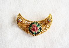 Needlepoint Rhinestone Brooch | Vintage Gold Tone Pin