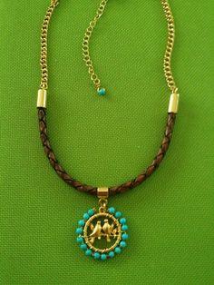 Resultado de imagen para collares en agatas Wire Wrapped Jewelry, Wire Jewelry, Jewelry Crafts, Handmade Jewelry, Unique Jewelry, Pretty Necklaces, Beautiful Necklaces, Diy Necklace, Pendant Necklace