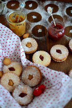 Linzer Cookies | Community Post: 27 Vintage Christmas Cookies