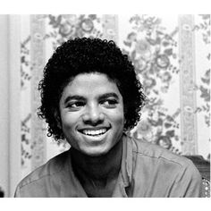 """Vintage Evening Eye Candy: An """"Off The Wall"""" And """"Thriller"""" Era Michael Jackson Michael Jackson Photoshoot, Photos Of Michael Jackson, Michael Jackson Smile, Jackson Family, Janet Jackson, Guinness, Rock And Roll, The Jacksons, Off The Wall"""