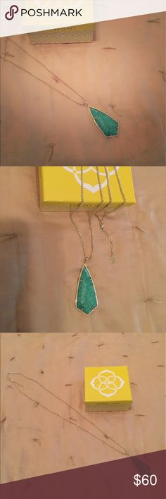 KENDRA SCOTT NECKLACE Perfect condition. Dust bag included. Gold and Green Sea color. Thanks! Kendra Scott Jewelry Necklaces
