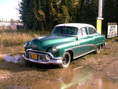 Our Family had Buick similar to this in the year range of 52 - 53.  This is the first Family Car that I remember.  We travelled to AZ in this car for the winter in 52-53 and 53-54.  I think we pulled a little trailer behind with our belongings in it.