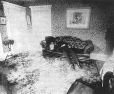 crime scene photo from lizzie borden Famous Murders, Ghost Hauntings, Ghost Pictures, Creepy Pictures, Real Ghosts, Haunted History, Haunted Places, Scene Photo, Serial Killers