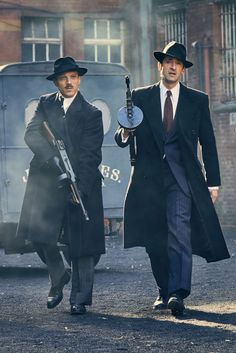 (notitle) – Scatman Dingo – Join in the world of pin Mafia, Estilo Gangster, Peaky Blinders Wallpaper, 1920s Gangsters, Peaky Blinders Season, Gangster Movies, Tough Guy, Dieselpunk, Stylish Men