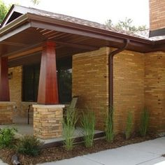 Mid Century Modern Ranch Style House Design Pictures Remodel Decor With Popular Mid Century Modern Front . Craftsman Porch, Craftsman Exterior, Craftsman Bungalows, Craftsman Style, Ranch Exterior, Stone Exterior, Exterior Remodel, Exterior Paint, Exterior Design