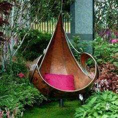Metal hanging chair.   #bekmode
