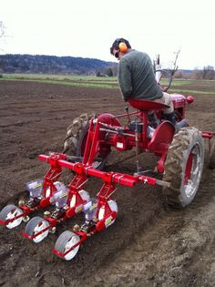 These guys have good discussion on which wheels they use etc Jang seeders mounted to tractor toolbar