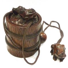 Frogs in barrel, Netsuke and Inro