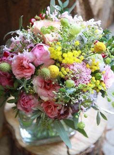 Nanairo Wedding Bouquet  Mixed color Bouquet  ラナンキュラス、ミモザ、ツルバキア、グリーンベル、スカビオサ、クラスペディアほか Popping Showerのようにふわふわなブーケ