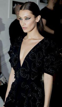 8 bästa bilderna på Haut Couture   High class fashion, Couture ... 5074fdc0dc