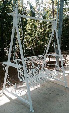 Wrought iron garden swing ~ Xích đu sắt mỹ thuật ĐÔNG ẤN sản phẩm làm bằng sắt đặc rèn thủ công nghệ thuật, sơn tĩnh điện màu trắng. Lựa chọn lý tưởng cho biệt thự sân vườn, công viên giải trí, studio, decor trong dịp cuối năm :O