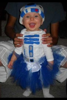 R2D2 baby costume...next year I'm making my entire family dress like Star Wars!