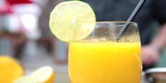 Ένα υπέροχο παγωμένο τροπικό κοκτέιλ ….  Υλικά  45ml λευκό ρούμι  1/2 μάνγκο  20ml χυμό λάιμ  20ml ζαχαρόνερο  Εκτέλεση  Σε ένα μπλέντερ προσθέτετε όλα τα υλικά και αναμιγνύετε καλά.  Γαρνίρετε με μία φέτα λάιμ.    @ElenitsaB
