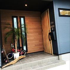 Entrance/流木/surf/サイディング/ニチハ/surfer's room...などのインテリア実例 - 2017-11-03 12:27:36 | RoomClip (ルームクリップ) Best Interior, Interior Styling, Exterior Design, Interior And Exterior, Japanese Door, House Front Door, Modern Industrial, House Rooms, Ideal Home