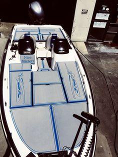 Kayak Fishing, Fishing Boats, Fishing Tips, Bass Boat Accessories, Bass Boat Ideas, Boat Carpet, Boat Organization, Marine Carpet, Marine Flooring