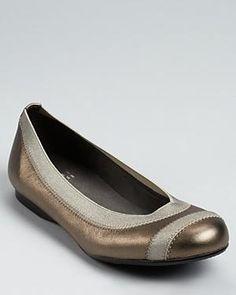 STuart Weitzman #flats #shoes