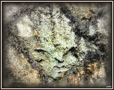 顔壁 The face on the stone wall