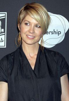 Jenna Elfman Jewelry: love these earrings